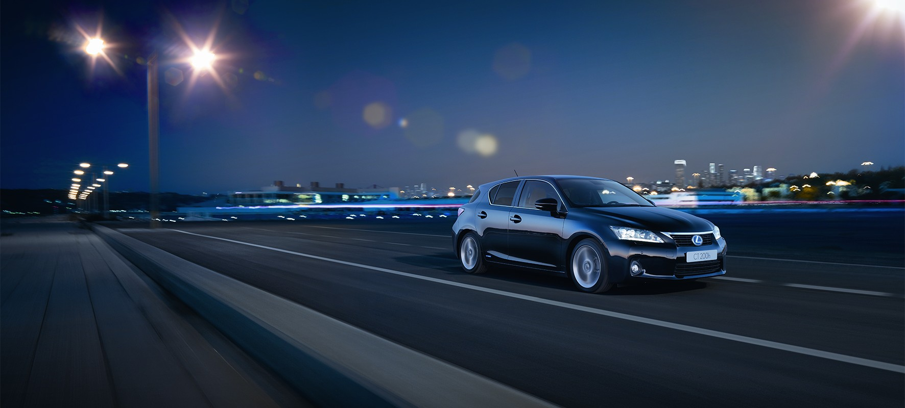 Lexus brengt de stijlvolle CT 200h BUSINESS STYLE