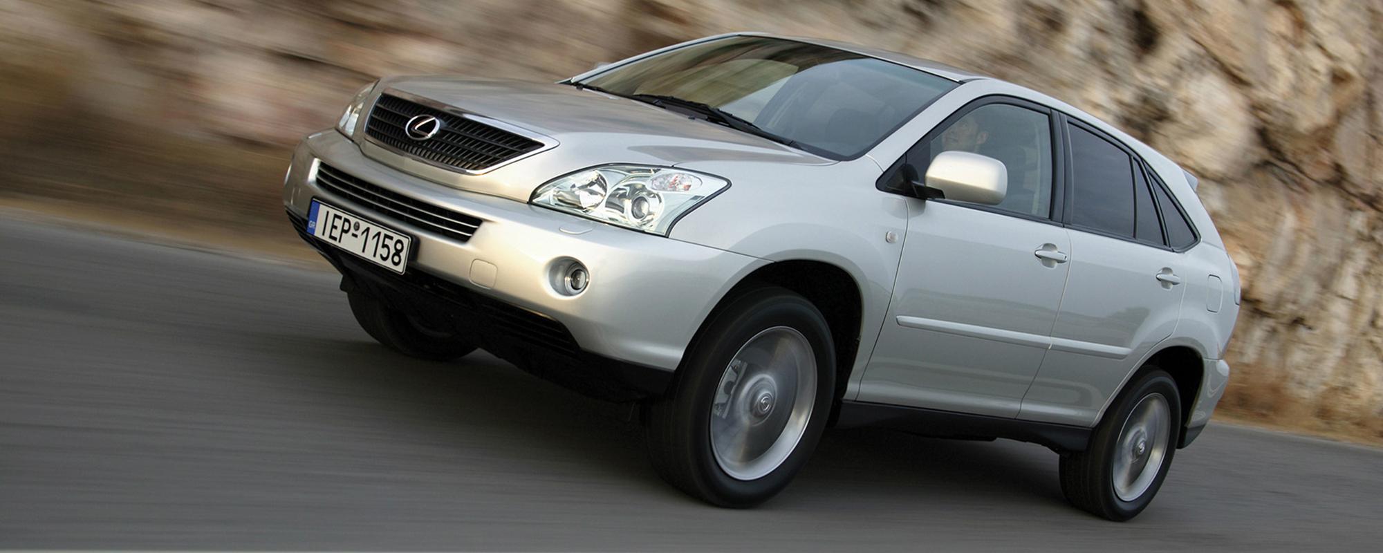 Lexus plaatst nieuw onderdeel in RX 400h