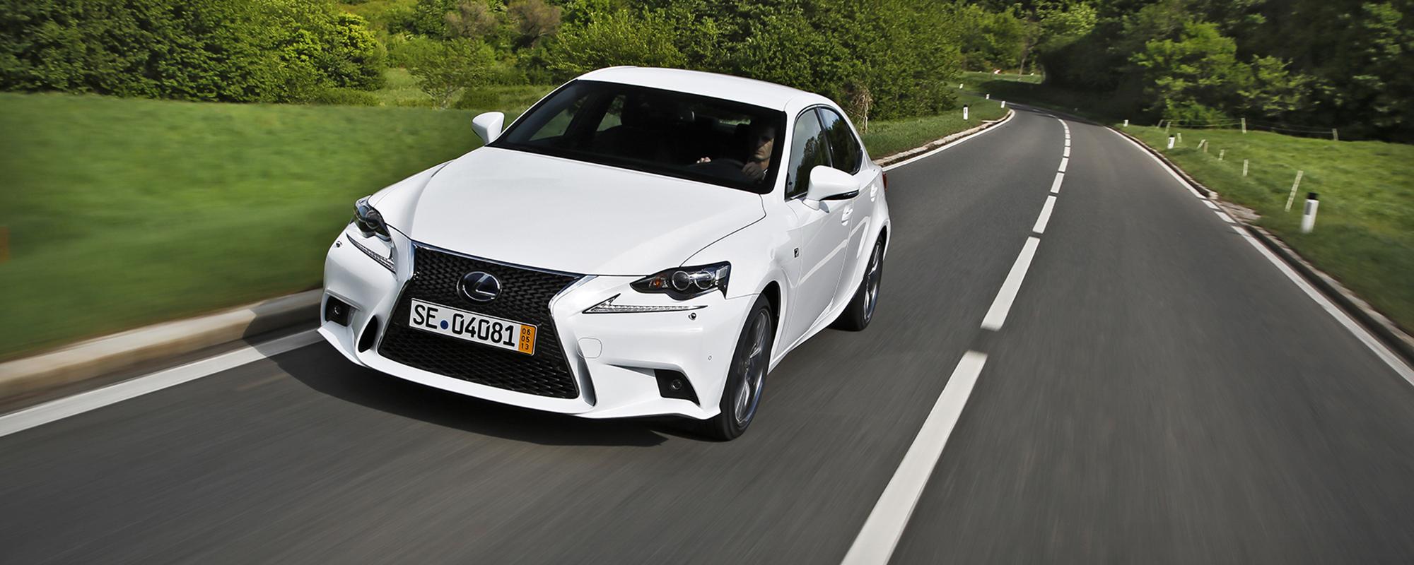 Euro NCAP: 'Lexus IS 300h veiligste auto in zijn klasse'