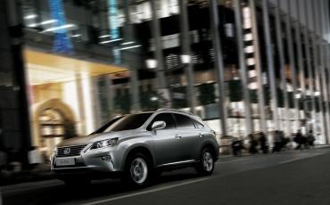 20140226_01-Lexus_RX_450h_Hybrid_AWD_Comfort_Line_comfort_op_hoogste_niveau.jpg