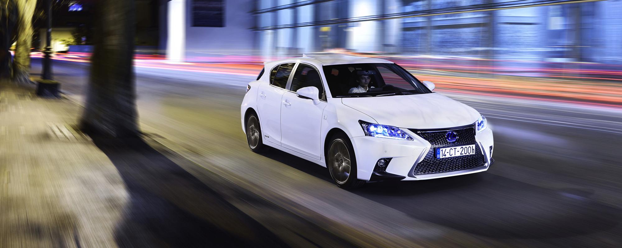 Lexus' nieuwe CT 200h rijden met een abonnement