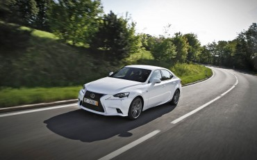 20140813-02_Lexus_domineert_in_ANWB_TOP_10_Zuinige_autos.jpg