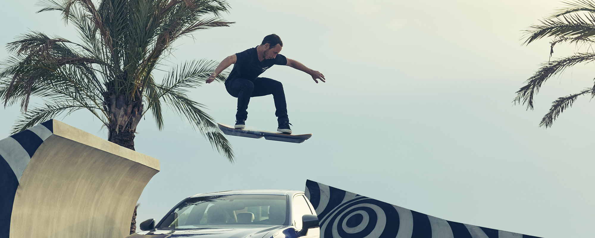 Lexus laat zien dat het Lexus Hoverboard daadwerkelijk rijdbaar is