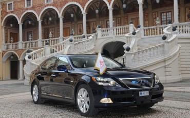 20110401_01_Lexus_hofleverancier_Prins_Albert_II_van_Monaco.jpg