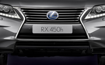 20120306_04_Lexus_introduceert_vernieuwde_RX_450h_Hybrid