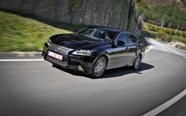 20121221_02_Mijlpaal_Lexus_bouwt_500_000ste_Hybrid