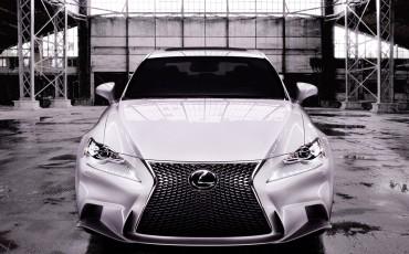 20130109_03_Nieuwe_Lexus_IS_onthuld_design_luxe_en_dynamiek