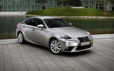 20130528_09_Lexus_IS_300h_HYBRID_geeft_rijden_een_nieuwe_dimensie