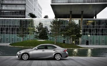 20130528_15_Lexus_IS_300h_HYBRID_geeft_rijden_een_nieuwe_dimensie