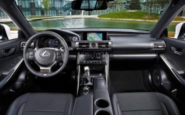 20130528_20_Lexus_IS_300h_HYBRID_geeft_rijden_een_nieuwe_dimensie