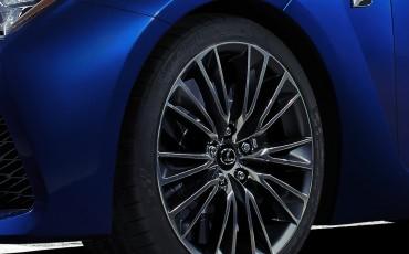 20131109_01-Lexus-verrast-met-volledig-nieuwe-F-op-Detroit