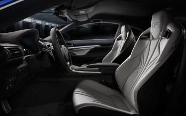 20140108_05-Lexus_RC_F_maakt_debuut_op_North_American_International_Motor_Show_in_Detroit_en_krijgt_een_dikke_V8_met_meer_dan_450_pk