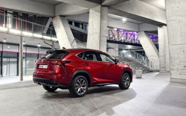 20140930-06-Lexus-NX-300h-game-changer-met-striking-design-Lexus-NX-300h-F-Sport-Line
