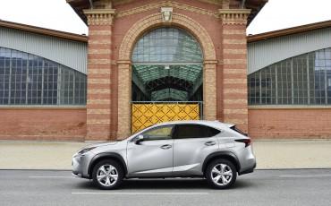20140930-17-Lexus-NX-300h-game-changer-met-striking-design