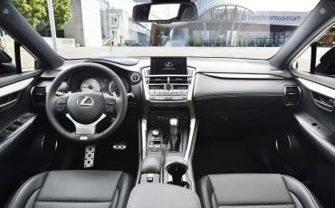 20140930-18-Lexus-NX-300h-game-changer-met-striking-design
