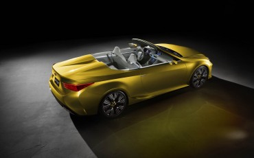 20141119_04-Dakloos-genieten-met-Lexus-LF-C2-Concept-LA-Auto-Show-Los-Angeles[1]