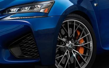 20141217-01-Weer-een-nieuwe-high-performance-F-van-Lexus[1]