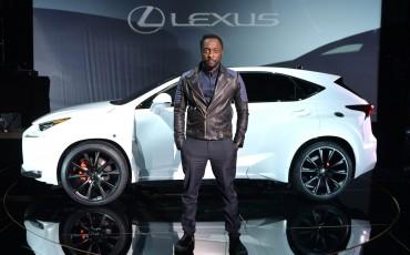 20142501-01-will-i-am-presenteert-sensationele-versie-eigen-Lexus-NX-op-party-tijdens-Paris-Fashion-Week