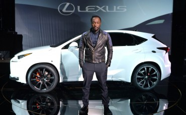 20142501-01-will-i-am-presenteert-sensationele-versie-eigen-Lexus-NX-op-party-tijdens-Paris-Fashion-Week[2]