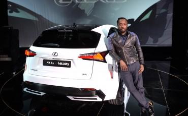 20142501-02-will-i-am-presenteert-sensationele-versie-eigen-Lexus-NX-op-party-tijdens-Paris-Fashion-Week