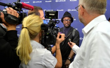 20142501-03-will-i-am-presenteert-sensationele-versie-eigen-Lexus-NX-op-party-tijdens-Paris-Fashion-Week[1]