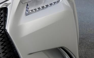 Lexus-LF-Gh-Hybrid-Concept-teaser-1[1]