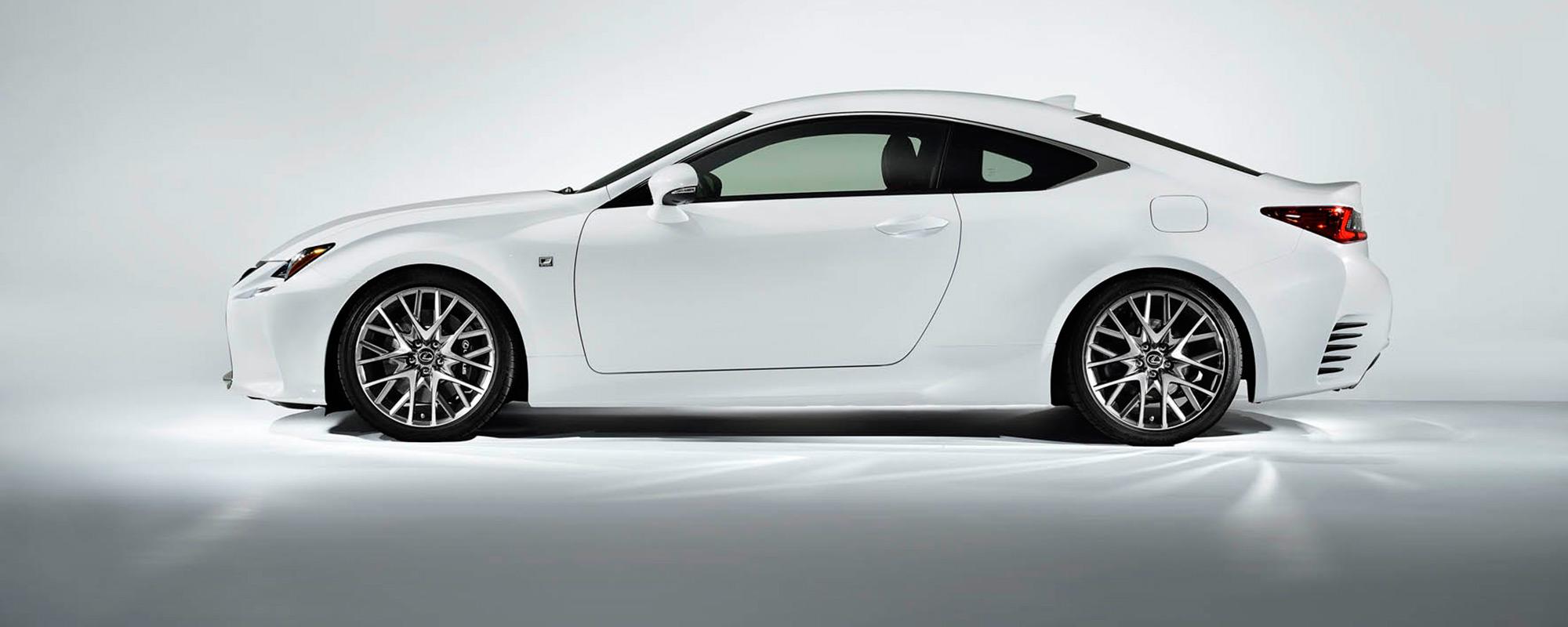 Lexus maakt prijzen RC 300[h] coupé bekend
