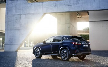 02-Lexus-RX-122015