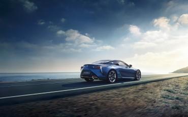 Lexus-LC-500h-2
