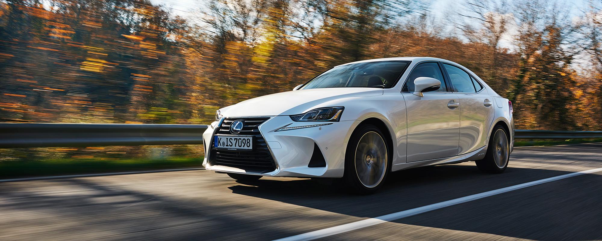Nieuwe Lexus IS 300[h]: ultieme rijbeleving