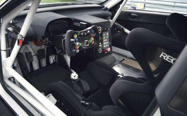 06-Lexus-toont-in-Geneve-ultieme-luxury-en-een-pure-raceauto-RC-F-GT3