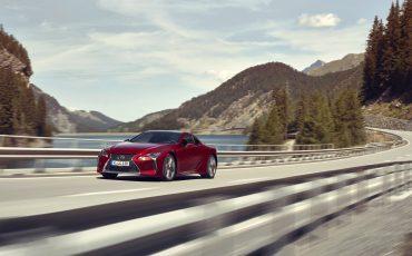 Lexus_LC500_dynamic_001