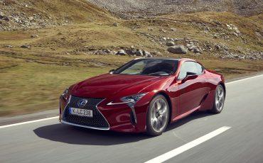 Lexus_LC500_dynamic_002
