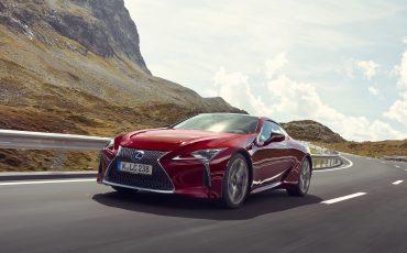 Lexus_LC500_dynamic_005