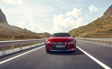 Lexus_LC500_dynamic_006