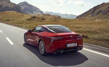 Lexus_LC500_dynamic_010