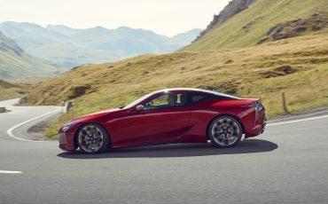 Lexus_LC500_dynamic_014