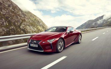 Lexus_LC500_dynamic_019