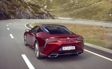 Lexus_LC500_dynamic_022