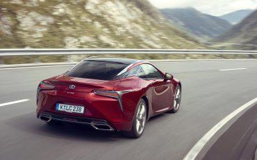 Lexus_LC500_dynamic_023