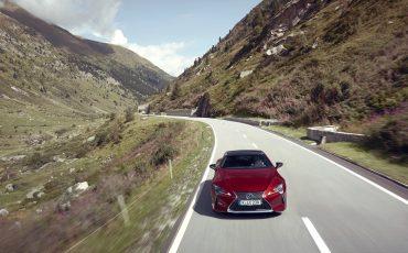 Lexus_LC500_dynamic_026
