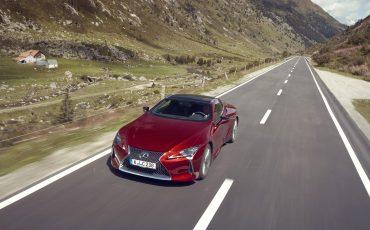 Lexus_LC500_dynamic_027