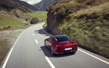 Lexus_LC500_dynamic_029