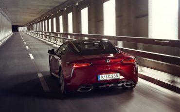 Lexus_LC500_dynamic_033