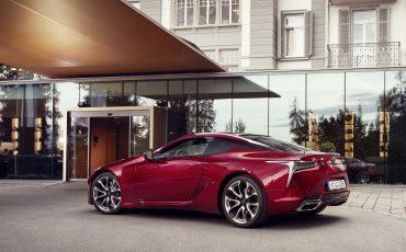 Lexus_LC500_static_002