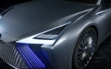 17-Lexus-LS-plus-Concept-015-Headlamps