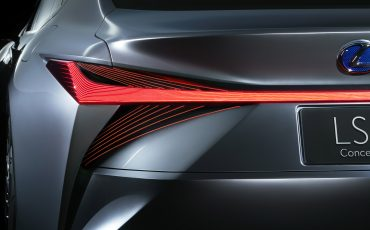 18-Lexus-LS-plus-Concept-016-Rear-Combination-Lamps