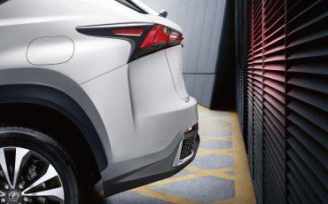 03-Lexus-NX-300h