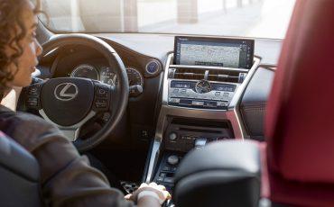 06-Lexus-NX-300h