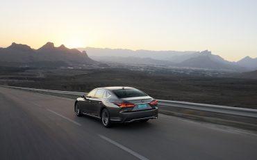 Lexus-LS-500h-exterieur-2018-21